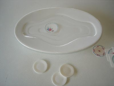 Carolyn's Little Kitchen: Tutorial - Decorating plates with waterslide decals