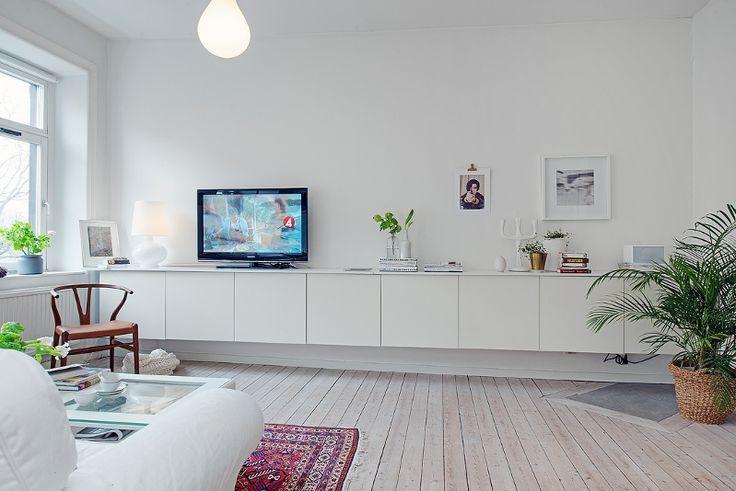 besta-ikea_mueble-salón_exterior-con-vistas_blog-decoración.jpg 736×491 pikseliä