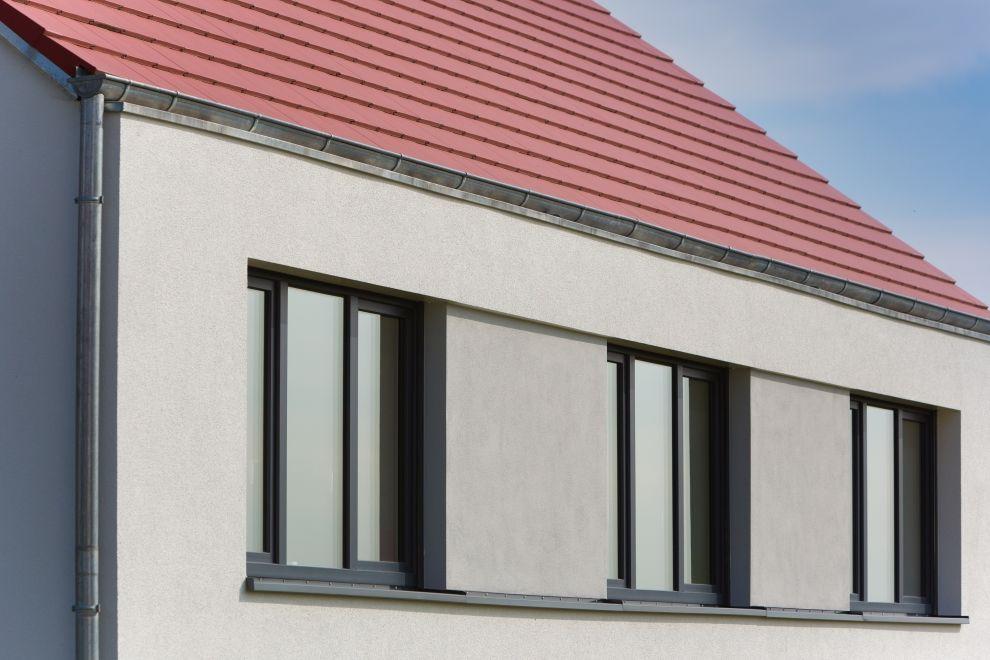 Fenster Band fassadendetail mit fensterband und traufe fasade