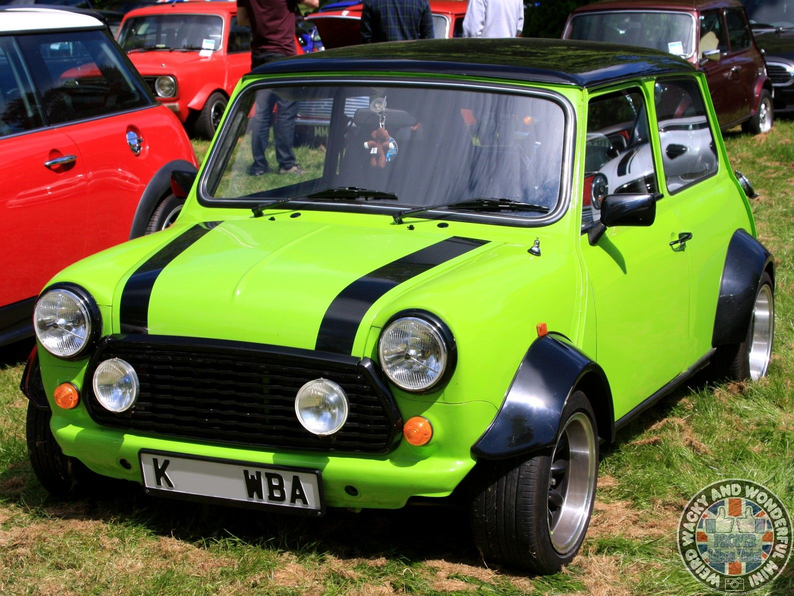 Up next is a W.A.W stunner that really stood out in the ranks a #britishminiday. Awesome colour n stance & my mate Adam really loved the number plate too!