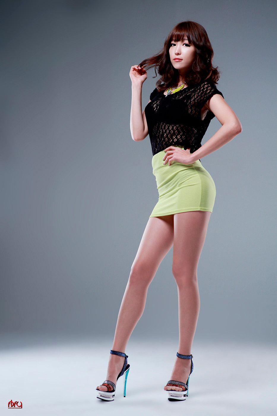 pics-naked-korean-girls-sexy-miniskirt
