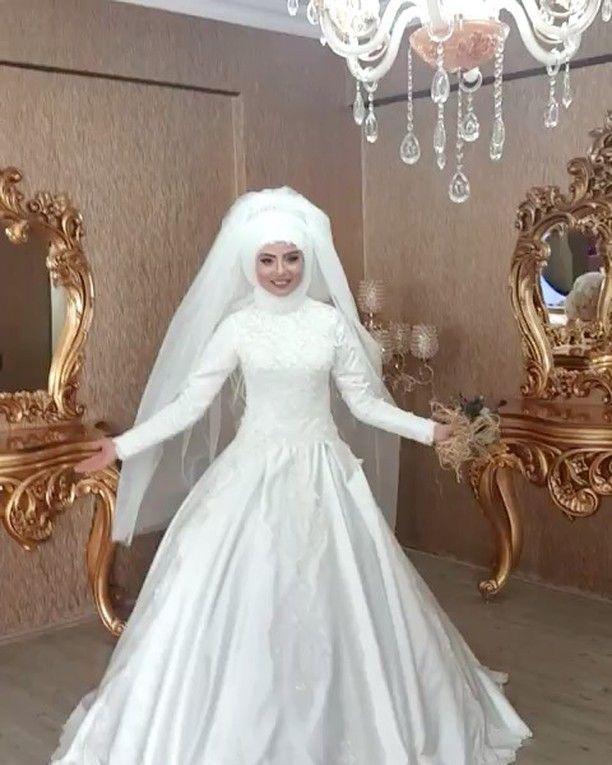 اعطونا رأيكم بهيك فستان وموديل ��☺️ #فستان_زفاف �� #ياسمينة_فاشن_اون_لاين #yasmena_fashion_online #wedding #dress #fashion #beauty #amman #jordan #pink #Weddingdress #bridle #dresses #dressmural #dressup #gown #weddinggown #wedding #couture #hauteurcouture #Chloe #eveningdress #bridesmaids #bridesmaiddress #bestirs #blackandwhite #colors #color http://gelinshop.com/ipost/1525265646010278322/?code=BUq1QYajKGy
