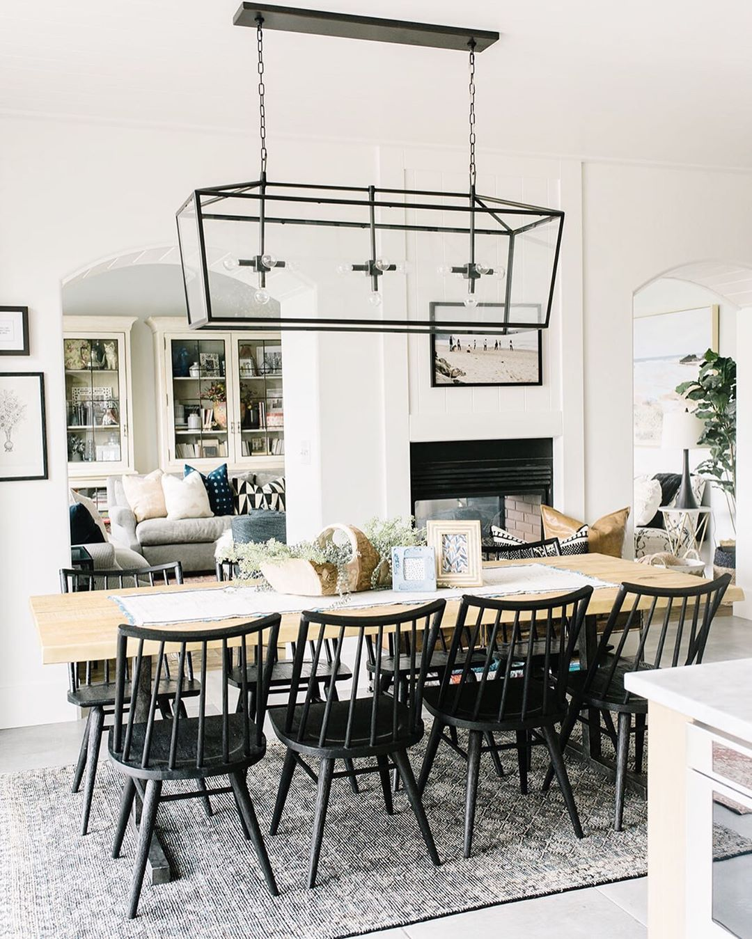 Loving The Combination Of These Dark Chairs With A Light Table Top Contrast Interiordesign Fourchairsdesign Windsor Chair Furniture Chair Furniture Wood table with black chairs