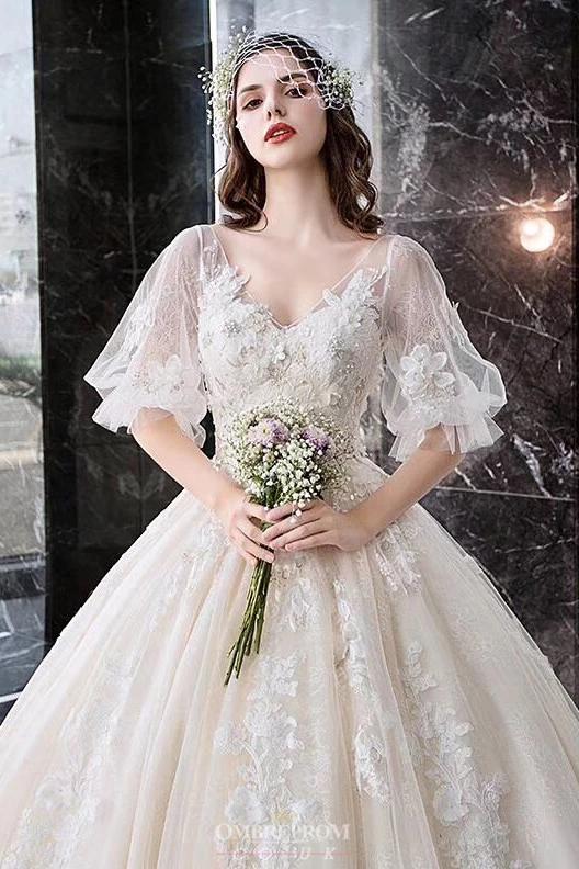 Robe de mariée princesse romantique, avec tulle et manches bouffantes   – Wedding Dress