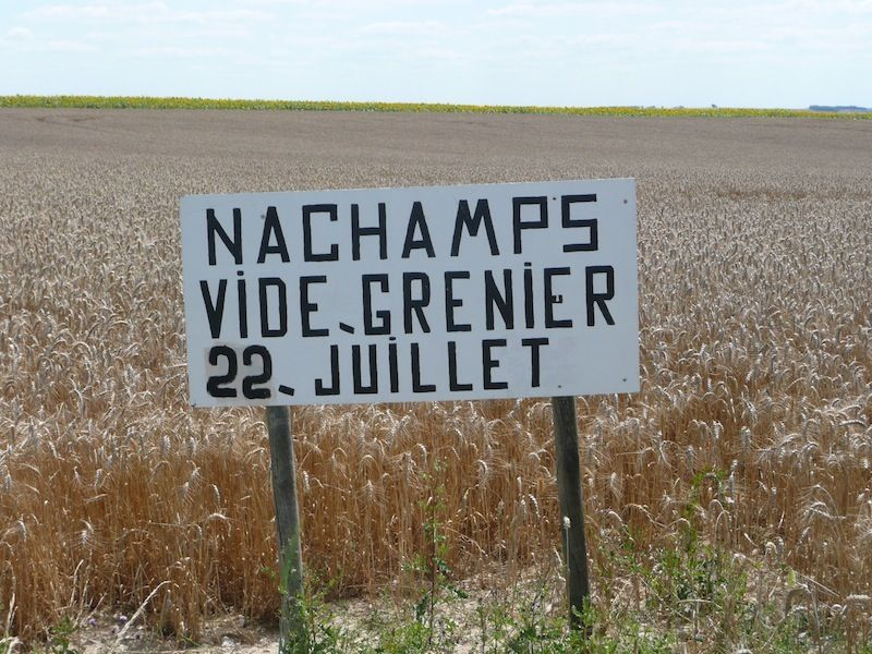 nachamps car boot sale sign Charente Maritime, France - free for sale signs for cars