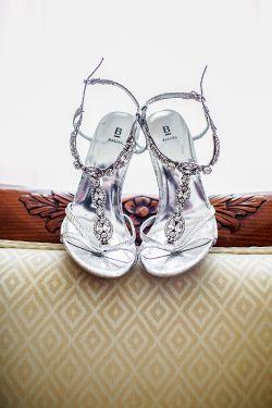 Silberne Sandaletten | Foto: Charmewedd