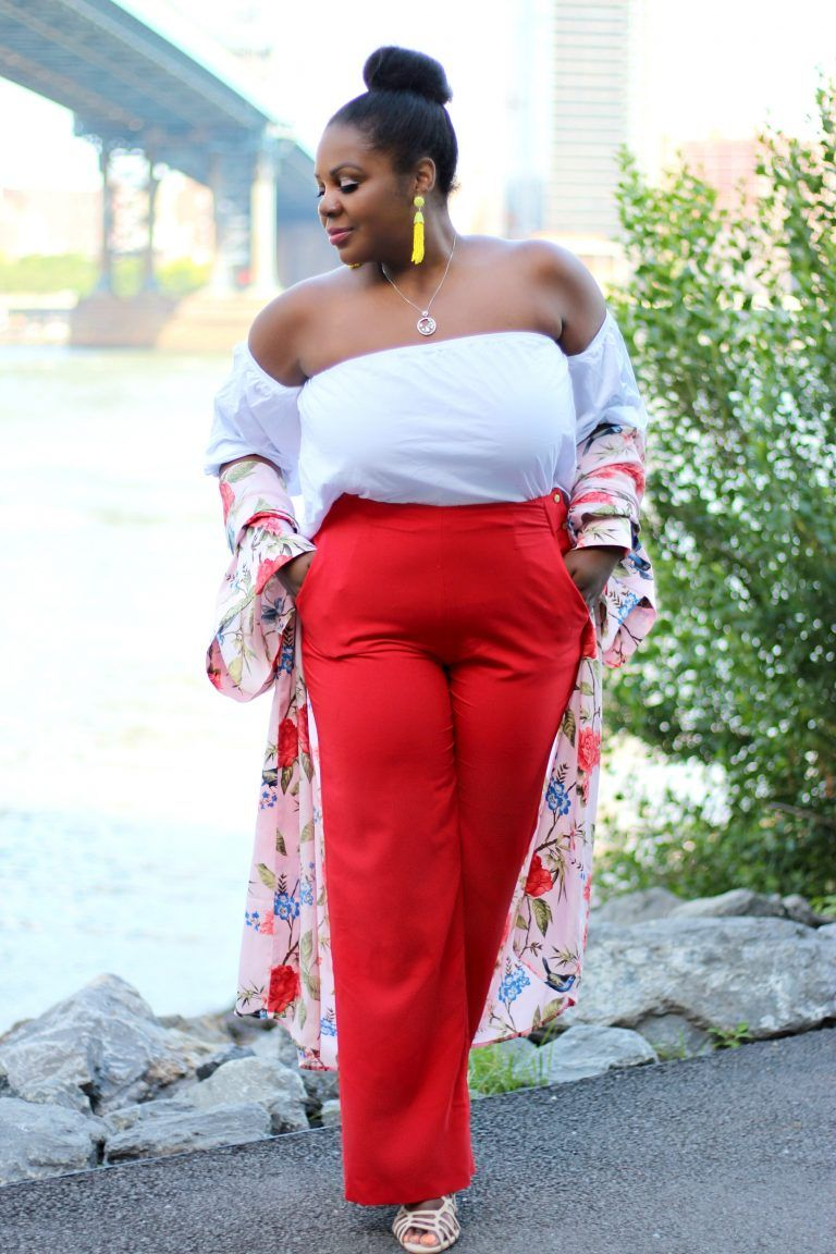 2a50969fcc5df Lifestyle blogger Sandee Joseph of CurvEnvy wearing FOREVER21 floral  kimono