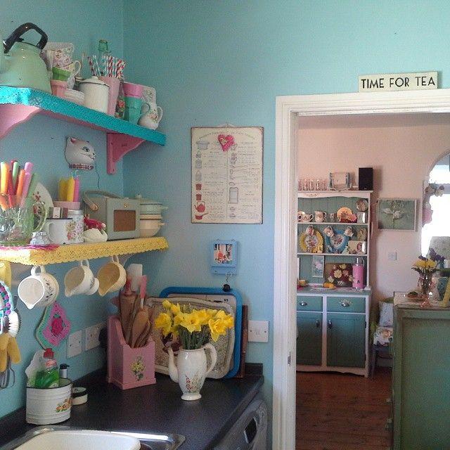 Rockabilly Kitchen Decor: Sarah Maquire My Vintage Home Instagram