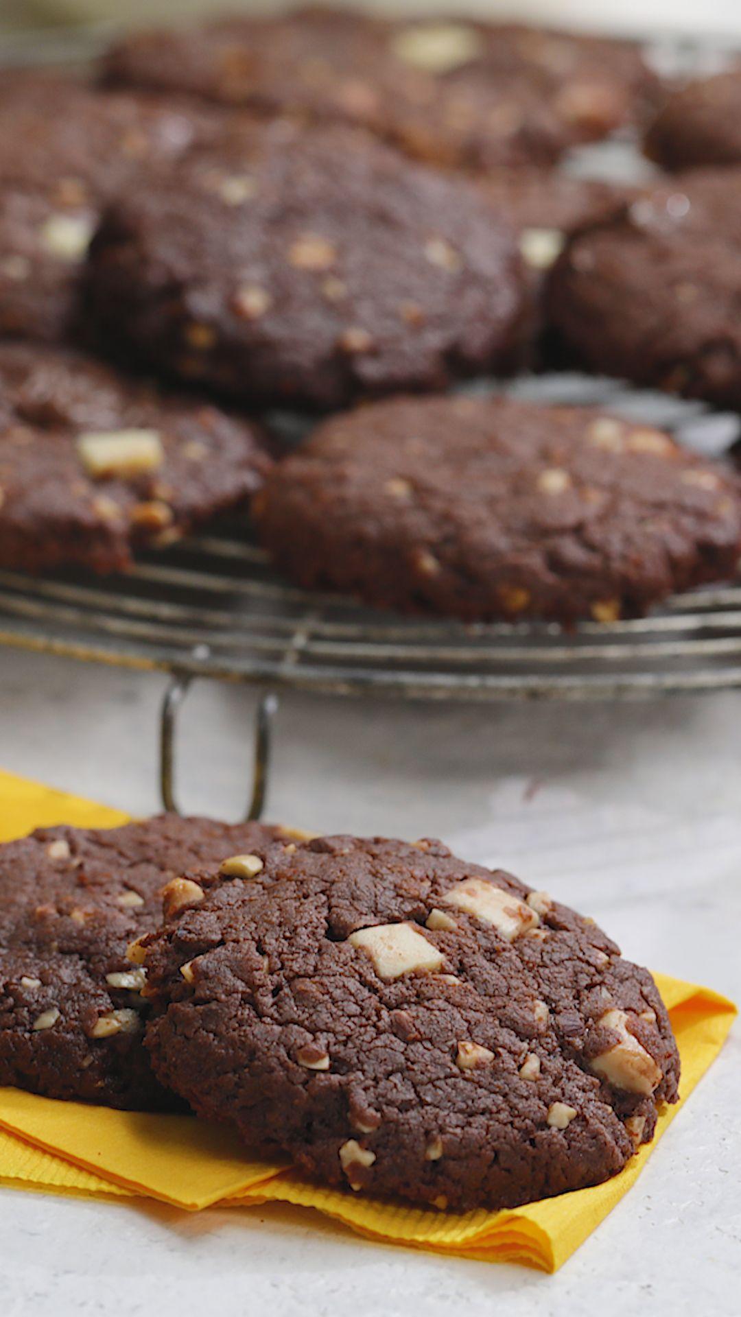 ¡Sólo CINCO ingredientes en un frasco de Nutella y listo! Unas cookies para esta merienda imperdibles, sin ensuciar la cocina.