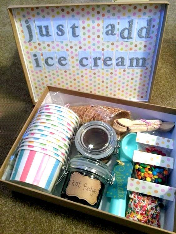 DIY Christmas Gifts People Actually Want to Receive - Diy christmas gifts for kids, Easy diy christmas gifts, Christmas gift baskets diy, Homemade gifts, Christmas gift baskets, Christmas gifts for kids - DIY Christmas gifts are a fantastic way to give something special to friends and family that takes more time and effort than driving to the nearest store