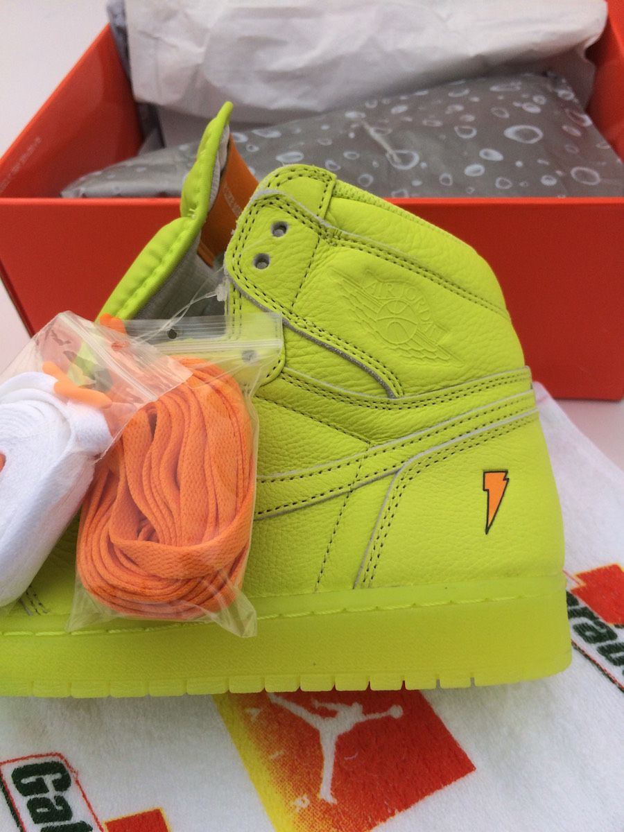 Is The Air Jordan 1 Retro High OG Gatorade Cyber The Best Colorway From The  Pack 5d3910ccc