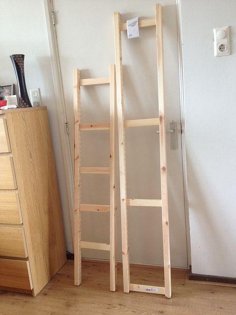 Laddertje gemaakt van ikea kaststelling om als kledingrek te gebruiken ikeahack ikea - Ruimtebesparende mezzanine ...