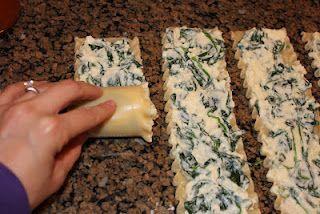 Spinach and cheese lasagna rolls! Yummo!