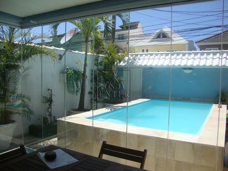 Casa com piscina pequena pesquisa google casas for Casa de campo pequena con piscina