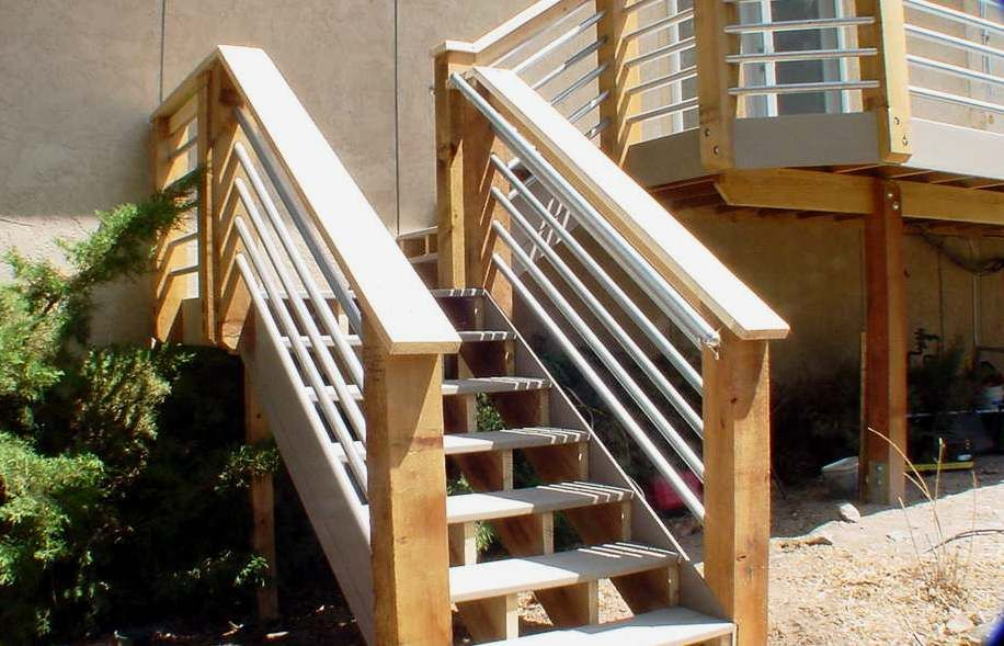 Galvanized tube railing google search outdoor rooms for Beach house deck ideas