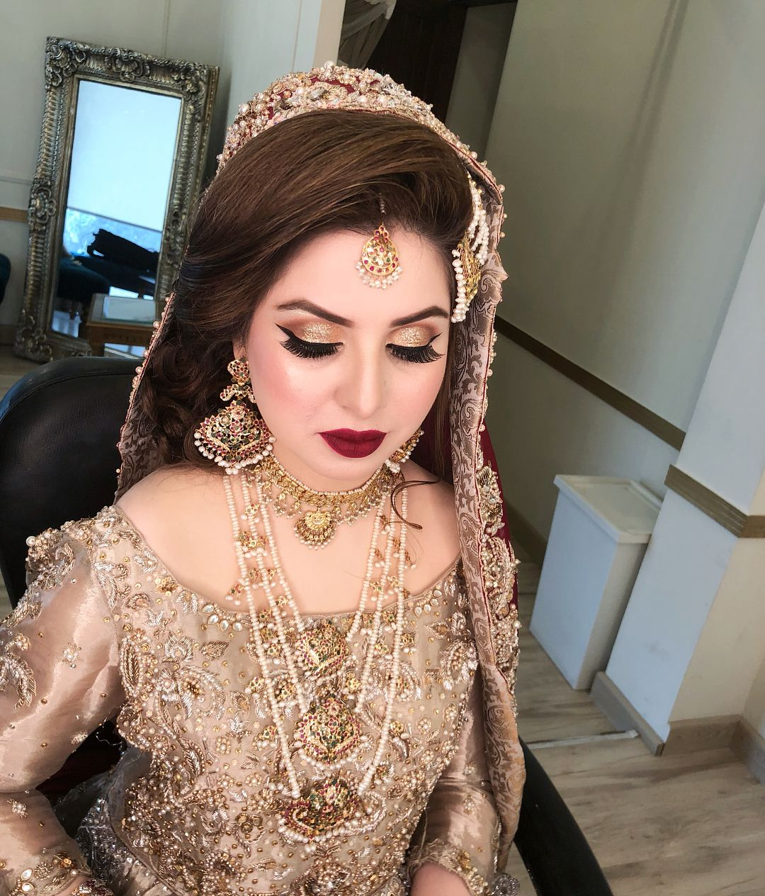 Hairstyles Pakistani Waleema: Pin By Aisha Khan On Make Up Looks In 2019