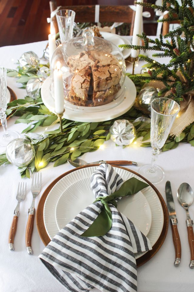 A Fresh Green Christmas Table With Images Christmas Table Centerpieces Fresh Greens Christmas Holiday Tablescapes