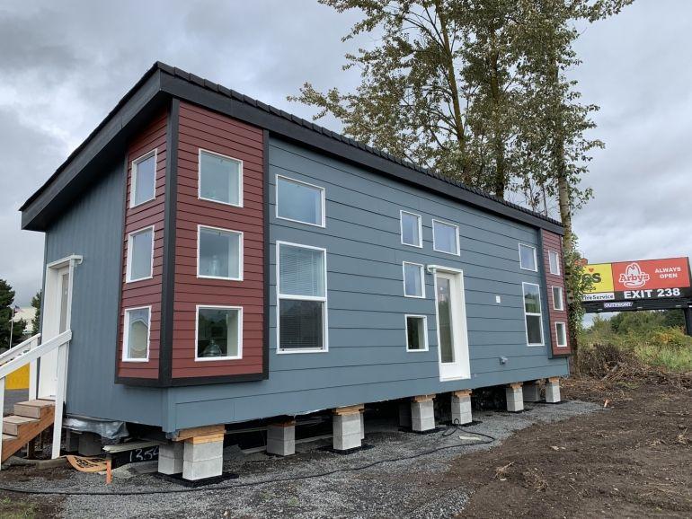 Casa De Ceilo Building A Tiny House Park Model Homes Modular Homes