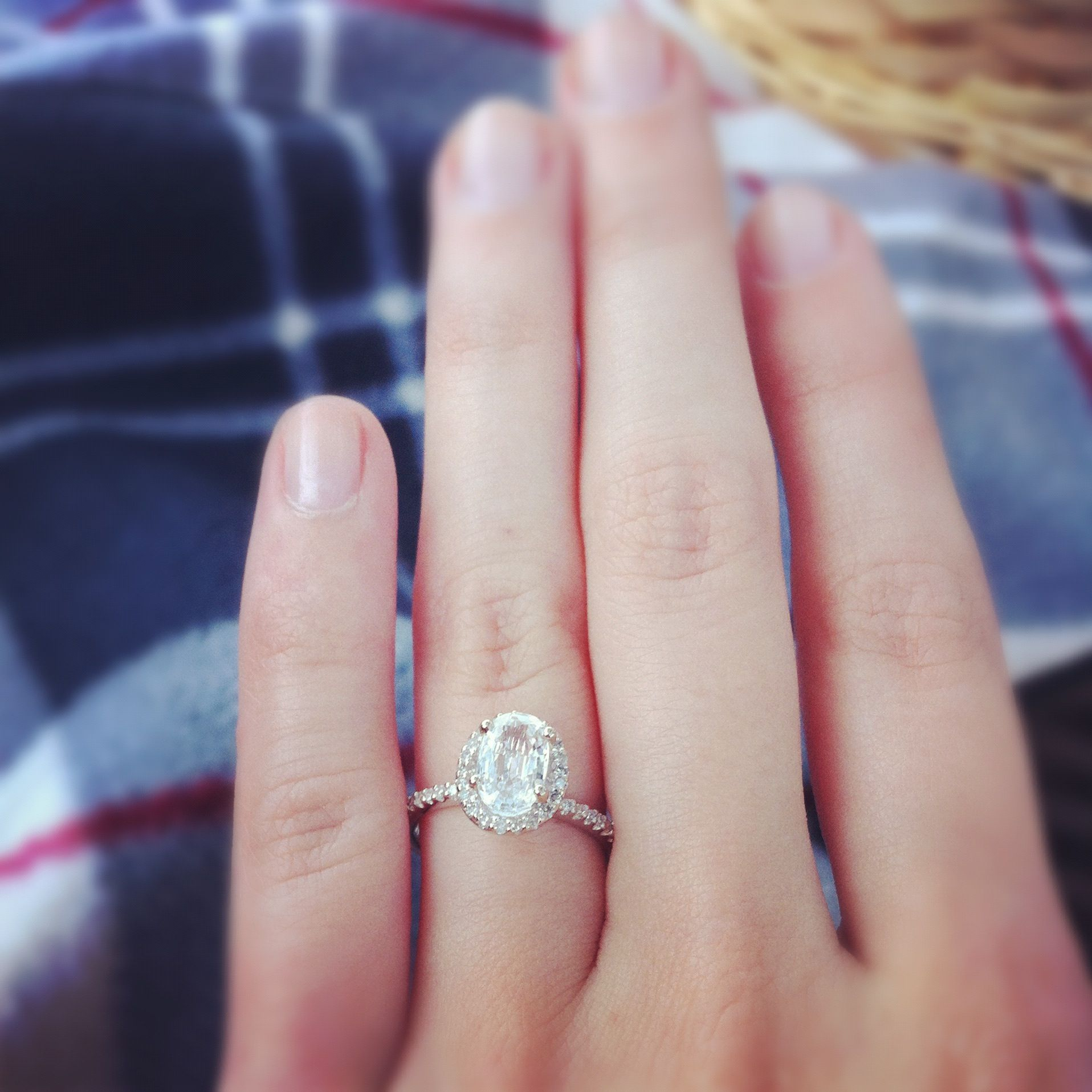 Engagement Rings No Stone: Awesome Engagement Ring! Oval Stone, No Diamonds Around
