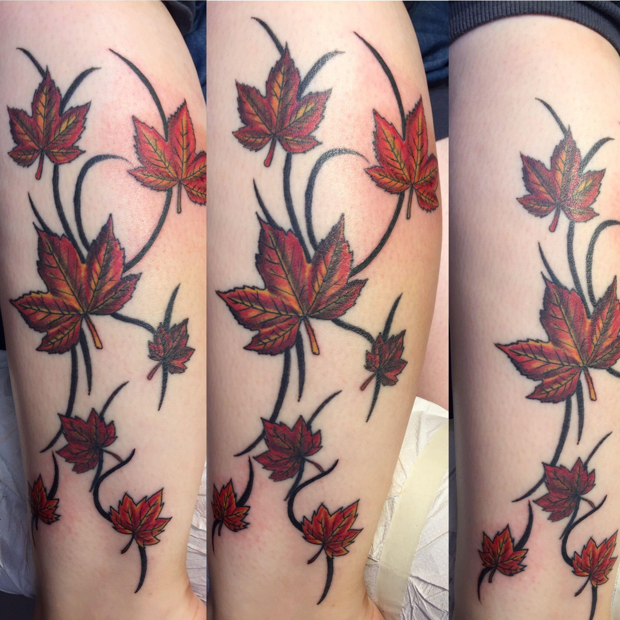 Tattoo Herbstblatter Tattoo Blatter Ahorn Blumen Peters Tattoo