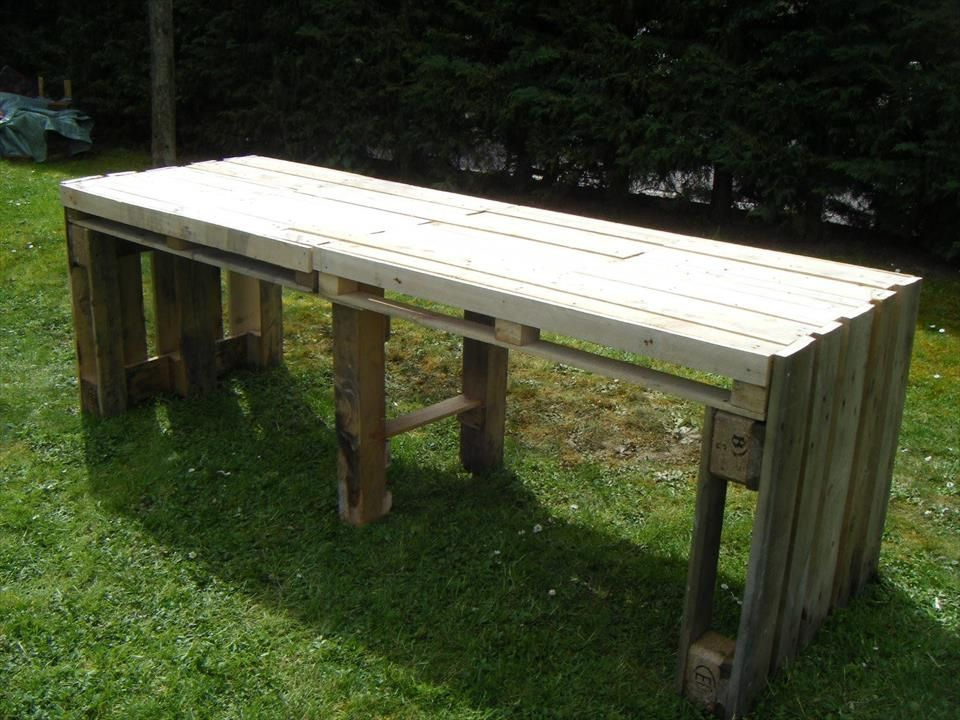 no-cost wooden garden table | tables | Pinterest