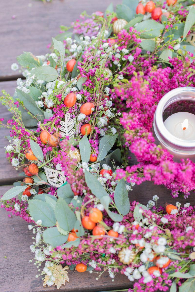 Diy Herbstlicher Tischkranz Und Tischlichter Herbst Fall Kranz