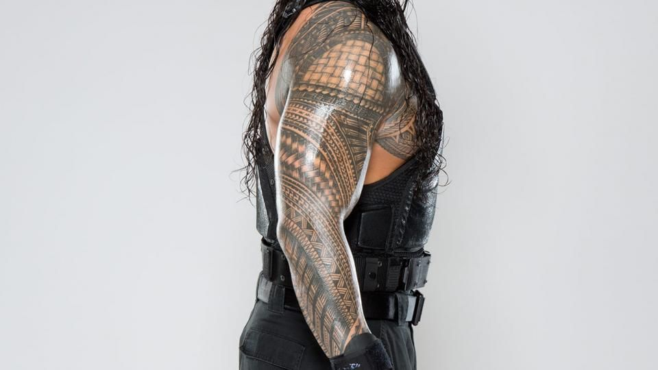 roman 39 s samoan tribal tat up close roman reigns pinterest posts the rock and the o 39 jays. Black Bedroom Furniture Sets. Home Design Ideas