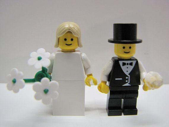 LEGO Wedding Minifigure Bride Blonde Hair /& Groom Black Suit Top Hat