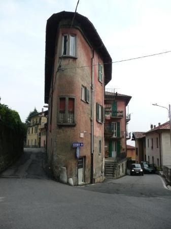 Brunate, Lake Como. Looks great to explore.