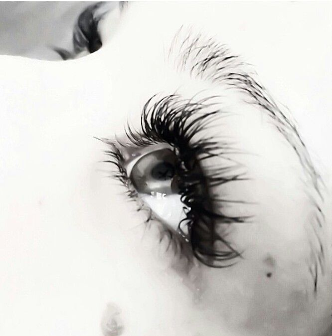 Lash extensions WILL ruin your own eyelashes! Don't do it ...
