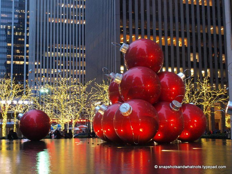 nyc christmas decor