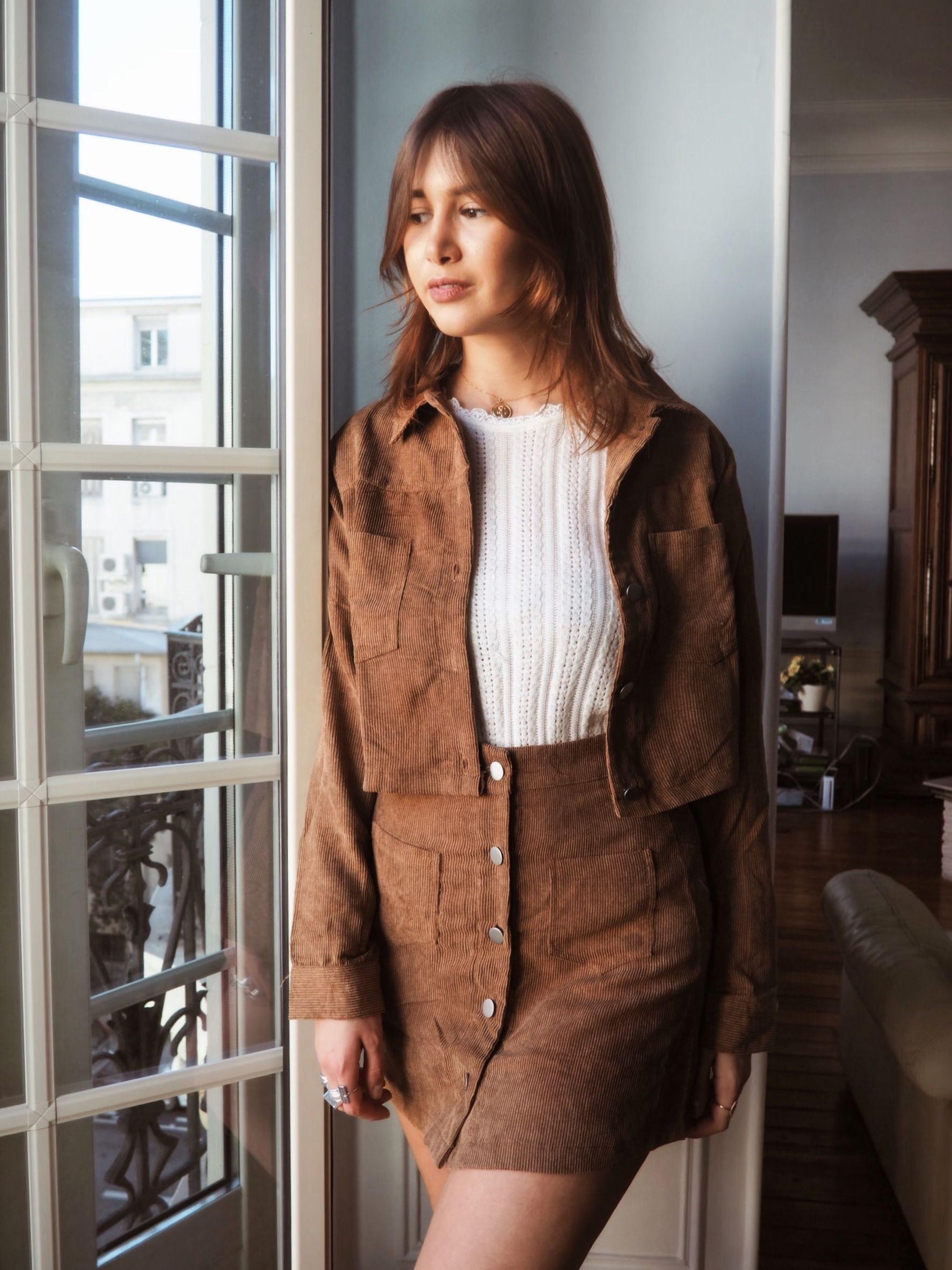 Veste et jupe en velour côtelé marron | Jacket and skirt