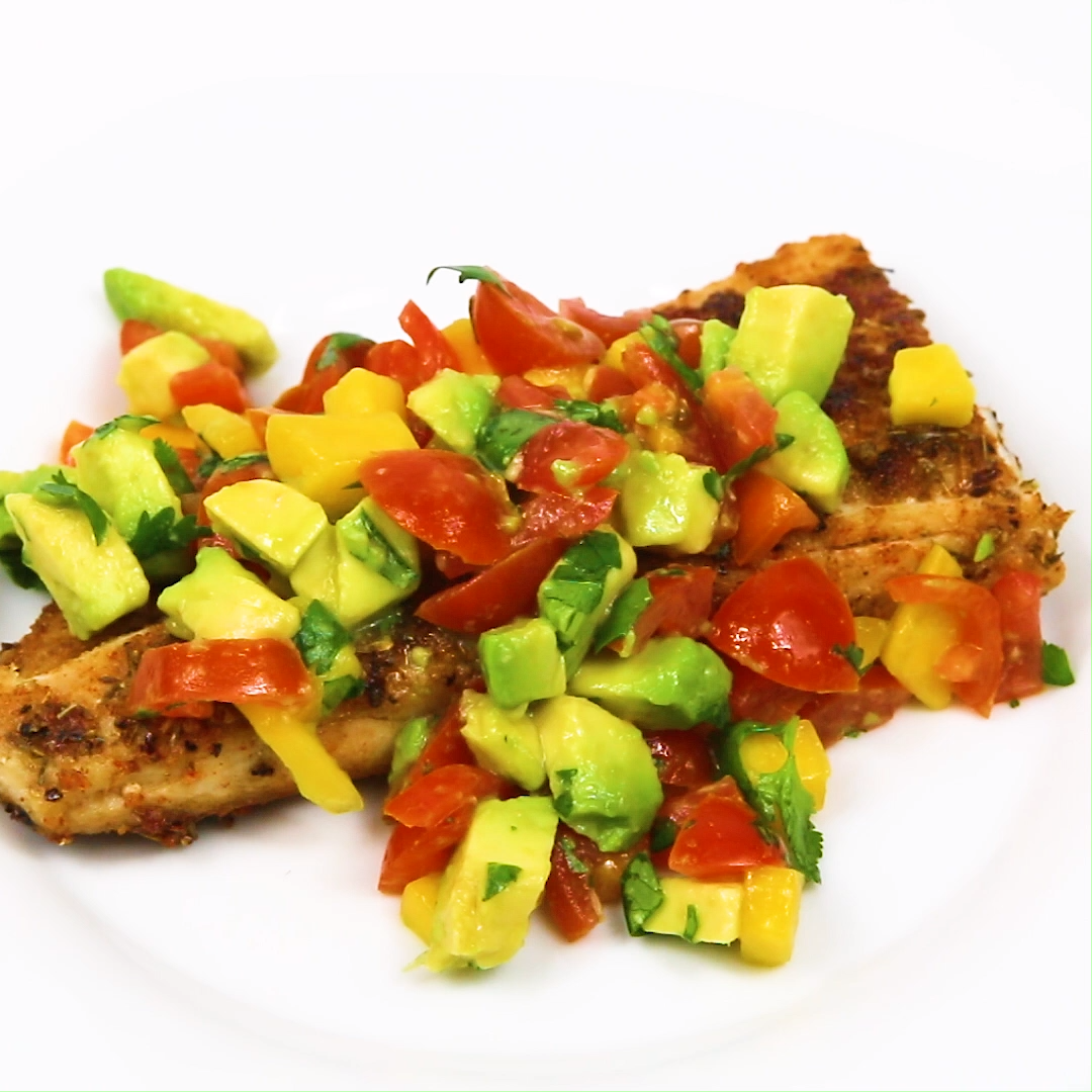Photo of This blackened mahi mahi with mango salsa is a quick healthy dinner you can whip…