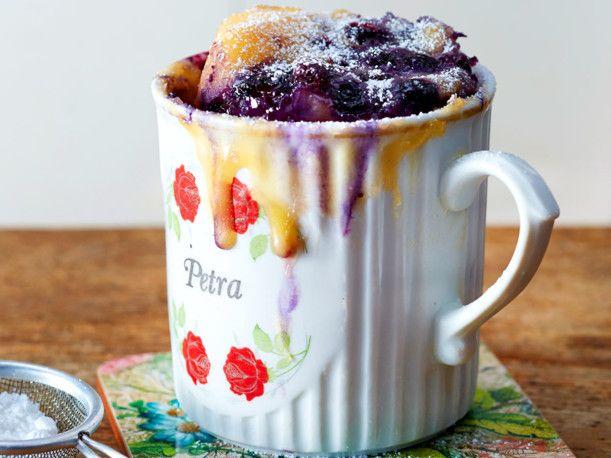 Unser beliebtes Rezept für Blaubeer-Joghurt-Tassenkuchen und mehr als 55.000 weitere kostenlose Rezepte auf LECKER.de.