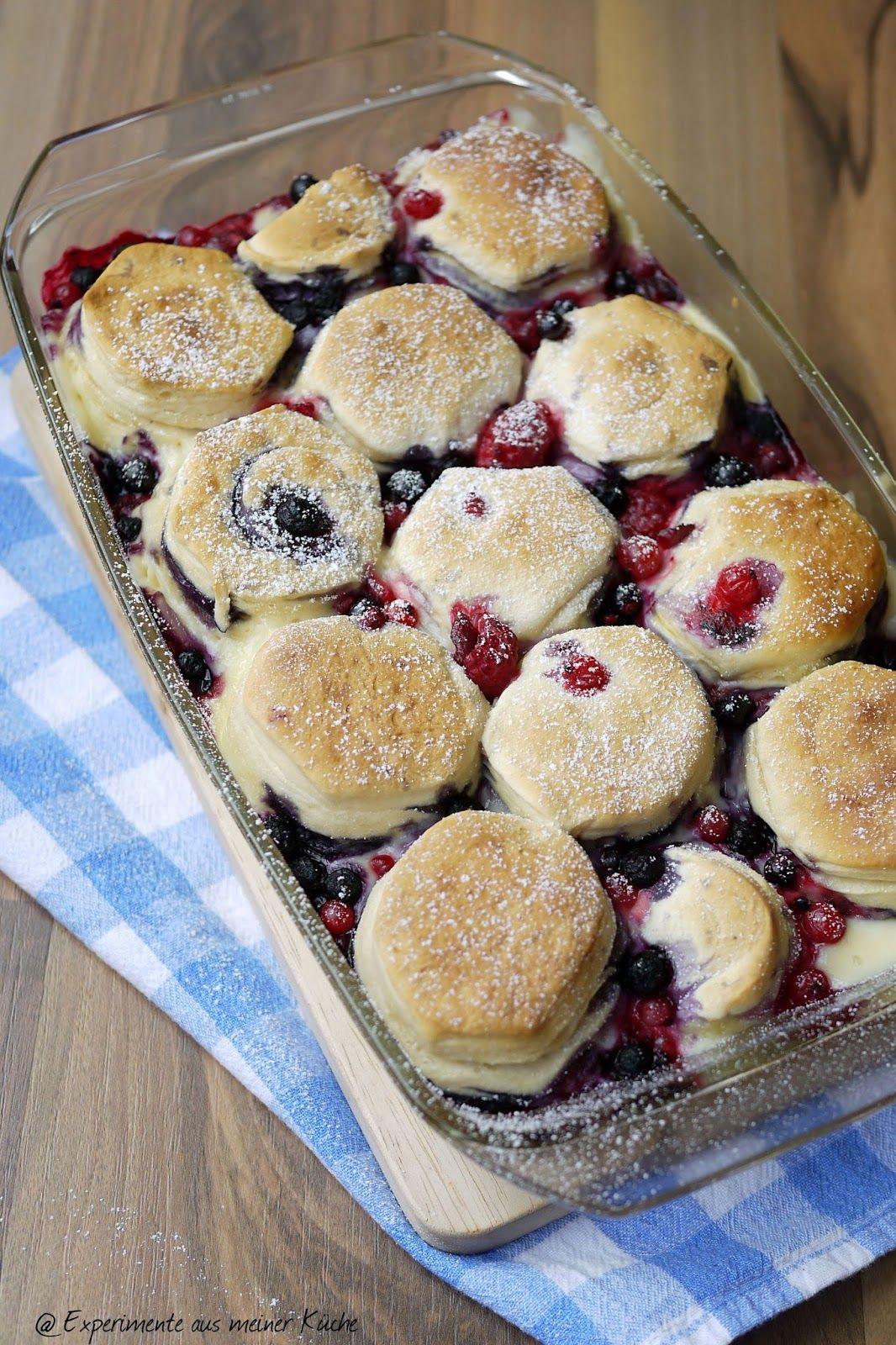 Brötchen-Vanille-Auflauf mit Beeren | Food, Brunch and Lunch box ideas