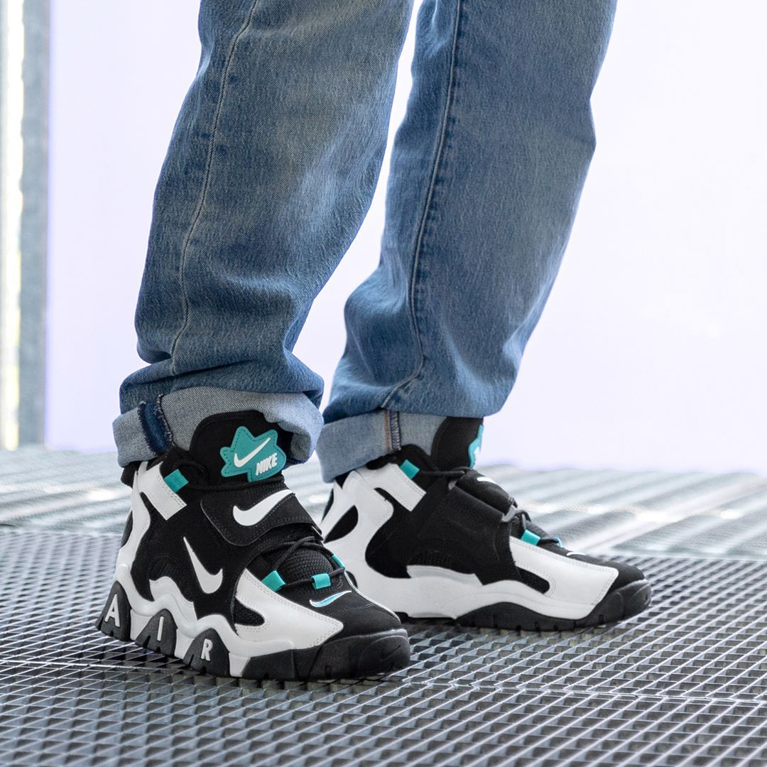 Nike Air Barrage Mid in schwarz AT7847 001 in 2020