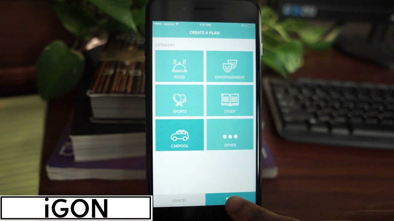 iGon Keeping Your Friends Close AppWatch Full look