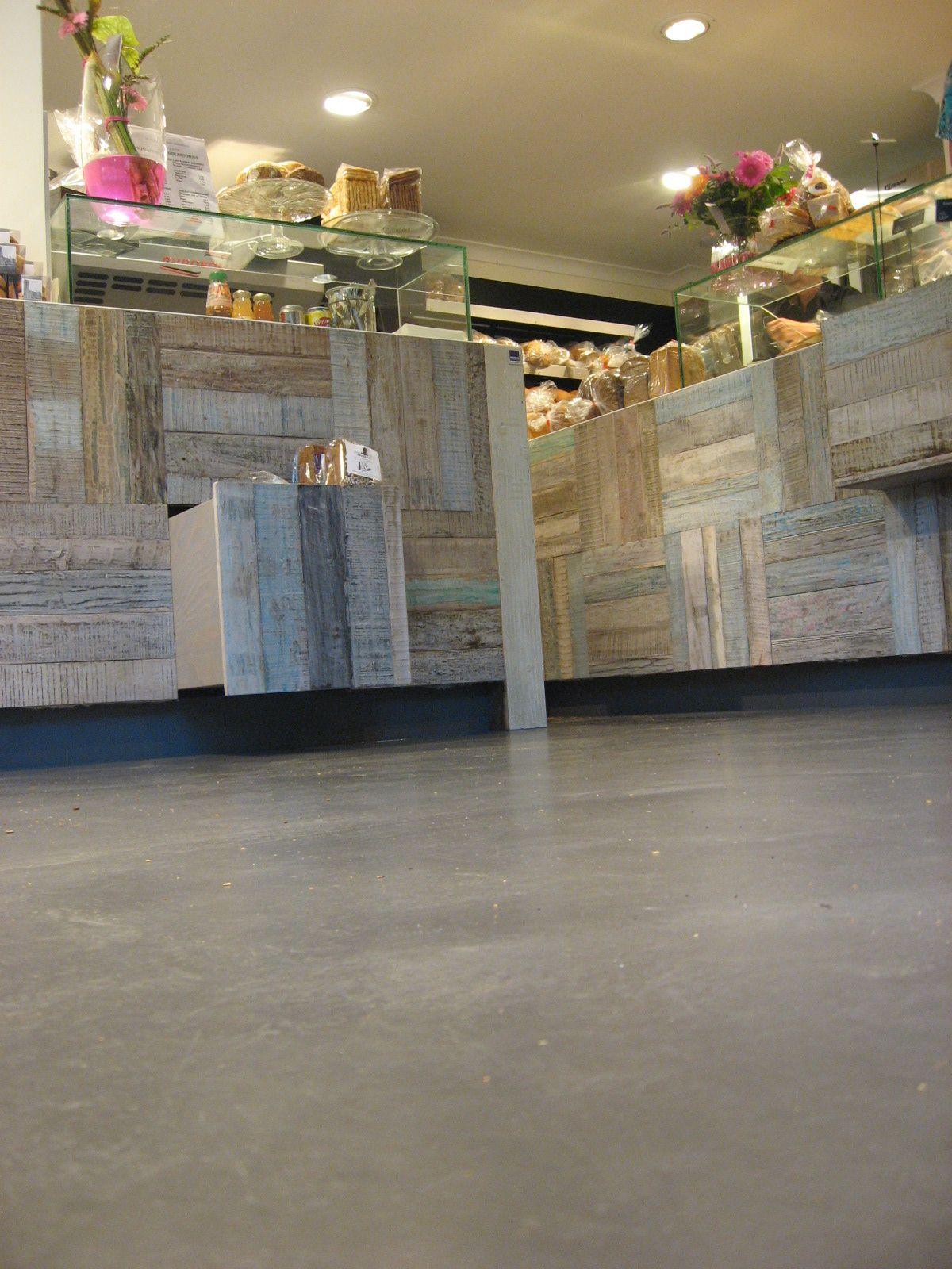b ton flow der betonfu boden in ruhiger edler optik betonfu b den zum wohnen arbeiten. Black Bedroom Furniture Sets. Home Design Ideas