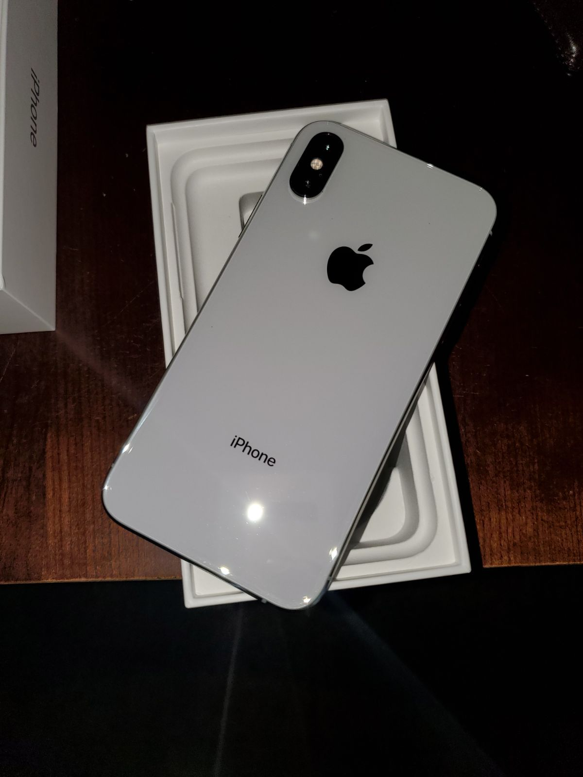 Iphone Xs Silver Iphone Apple Iphone Accessories Apple Products