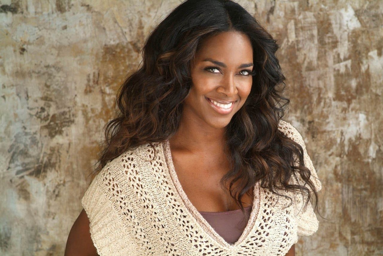Kenya Moore's Fans Ask For A Book From Her Years As A