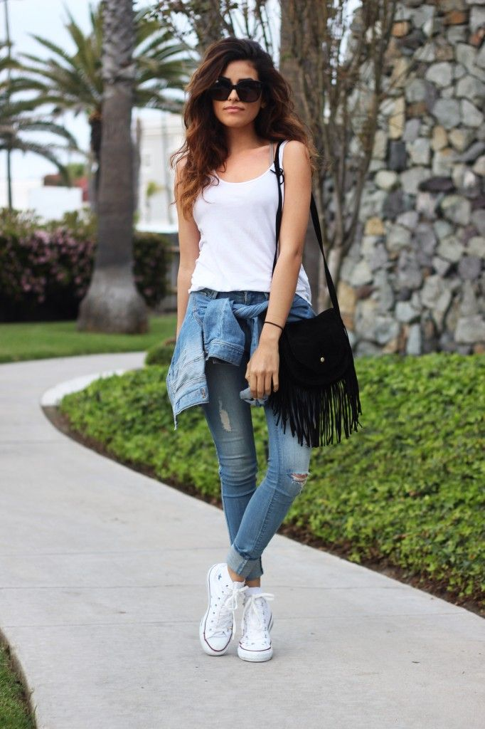 ade59823c6b629 It is the season for skinny jeans and white Converse. Via Sazan Barzani  Jeans  Black Orchid Denim