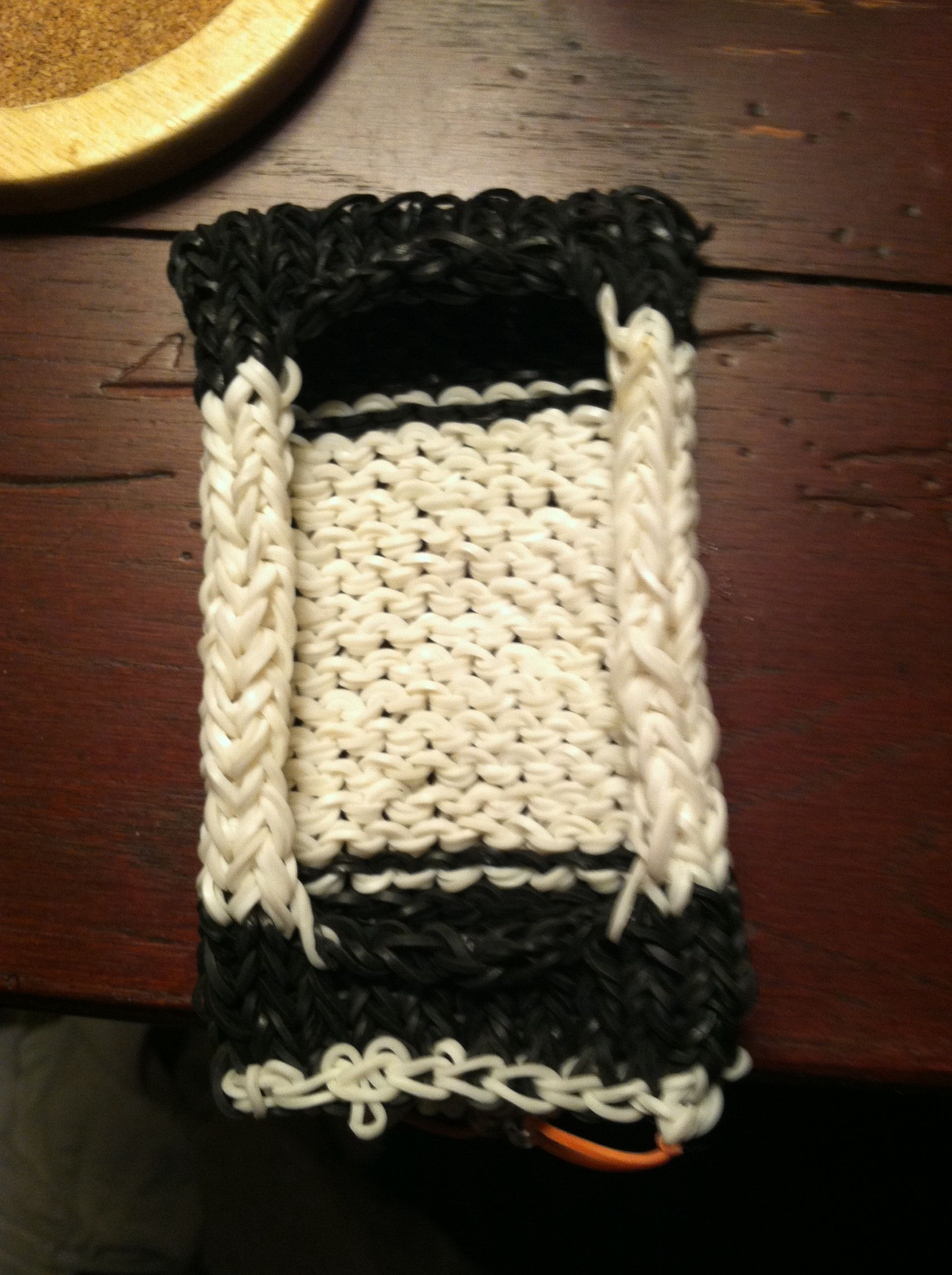 Phone case made on the rainbow loom!!! Knitted pattern inside and ...