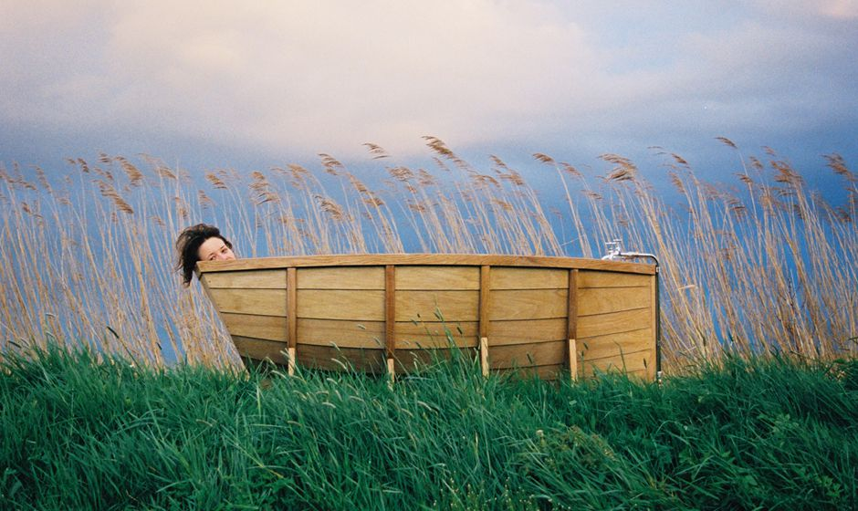 Viking Boat Bathtub From Wieki Somers Awesome Design