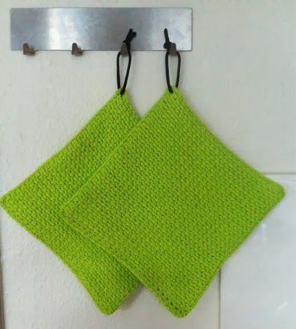 by GJ: Hæklede grydelapper og kurv - Crochet potholders