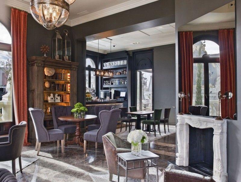 Lobby im Hotel - luxuriöse Einrichtung mit vintage Möbeln