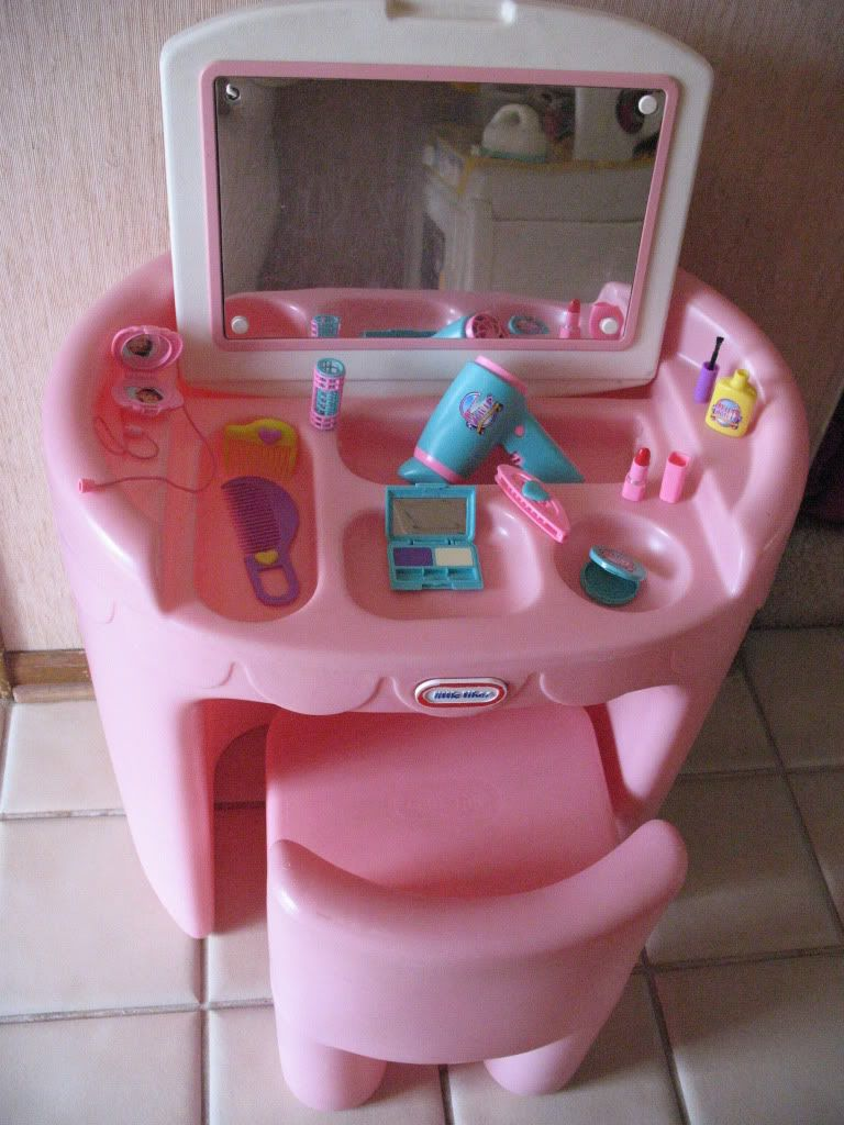 Little tikes pink vanity and chair loveeeee childrens toys little tikes pink vanity and chair loveeeee geotapseo Image collections