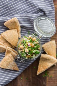 Garbanzo Deli Ensalada (El germinado Cocina Tazón + cuchara)