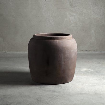 Jar, clay, XL, 48 x H 46 cm, smoke