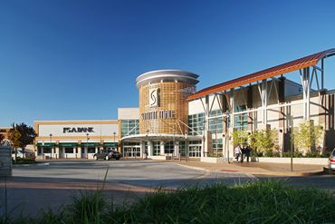 Summit Mall Stores >> Summit Mall Is An Upscale Mall Located On Market Street In