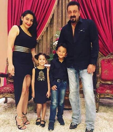 Bollywood Actor Sanjay Dutt Wife Manyata Dutt Celebrated Her 37th Birthday Event Images Indian Celebrities Celebrity Magazines Bollywood